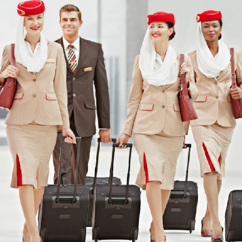 Blog-top-10-airlines-Emirates-cabin-crew2
