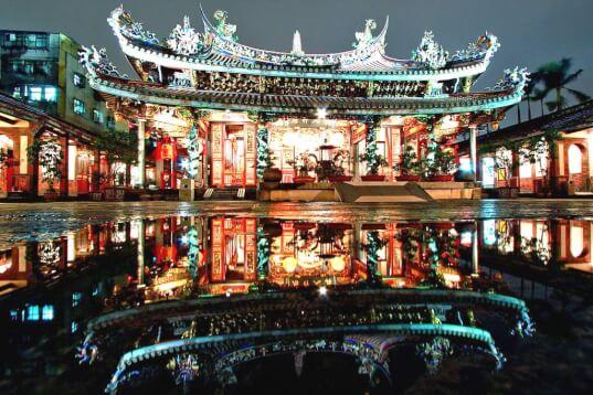 Taipei Dalongdong Baoan Temple Night