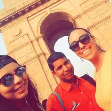 Top-5-tour-guides-for-cabin-crew-aveda-tours-delhi-india